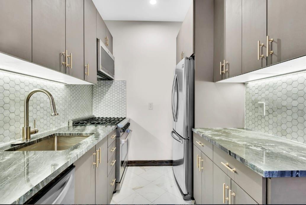 121 E 37th St – Multi Unit Residential Building